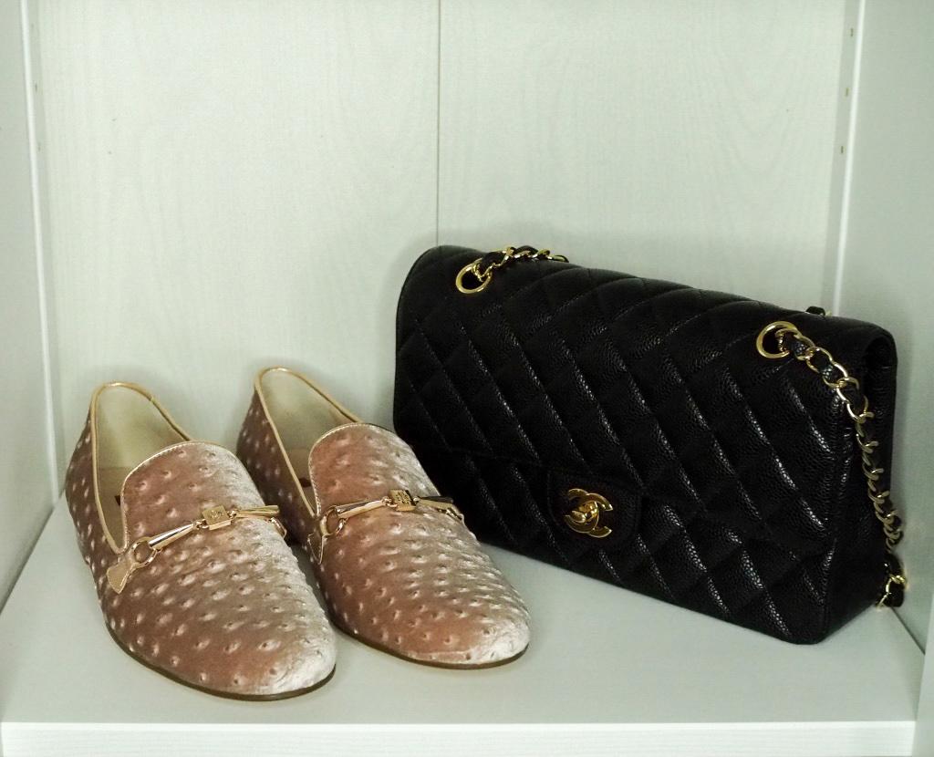 Klassische Loafer mit Chanel Tasche