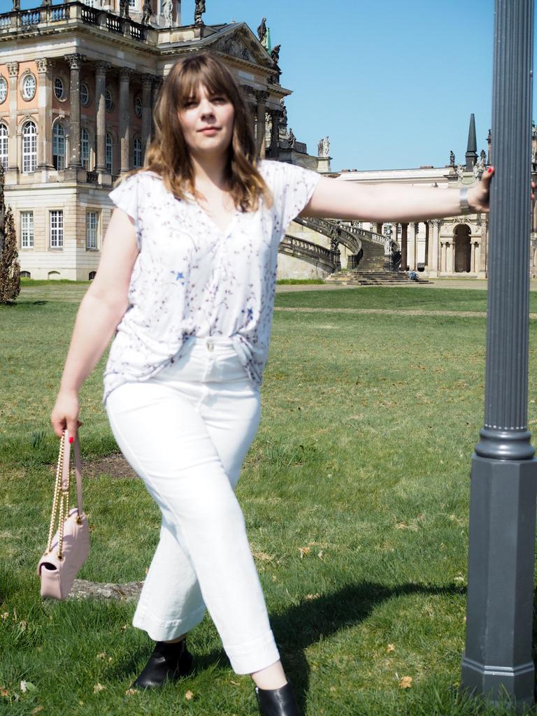Gucci Tasche zu weißer Culotte