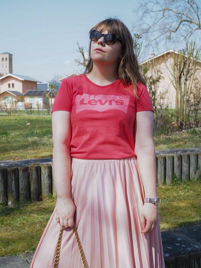 Plissee Rock - Pleated Skirt - Levi's Shirt - Louis Vuitton - Valentino
