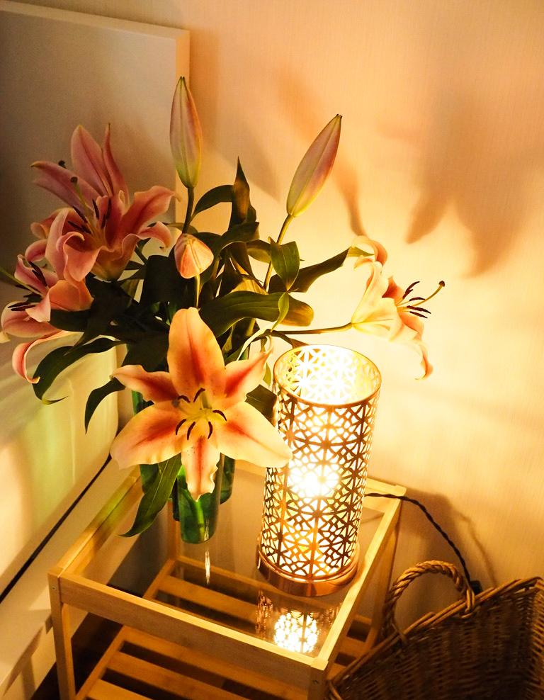 Schlafzimmer - Details - Blumen - Lilien - Einrichtung - Interior