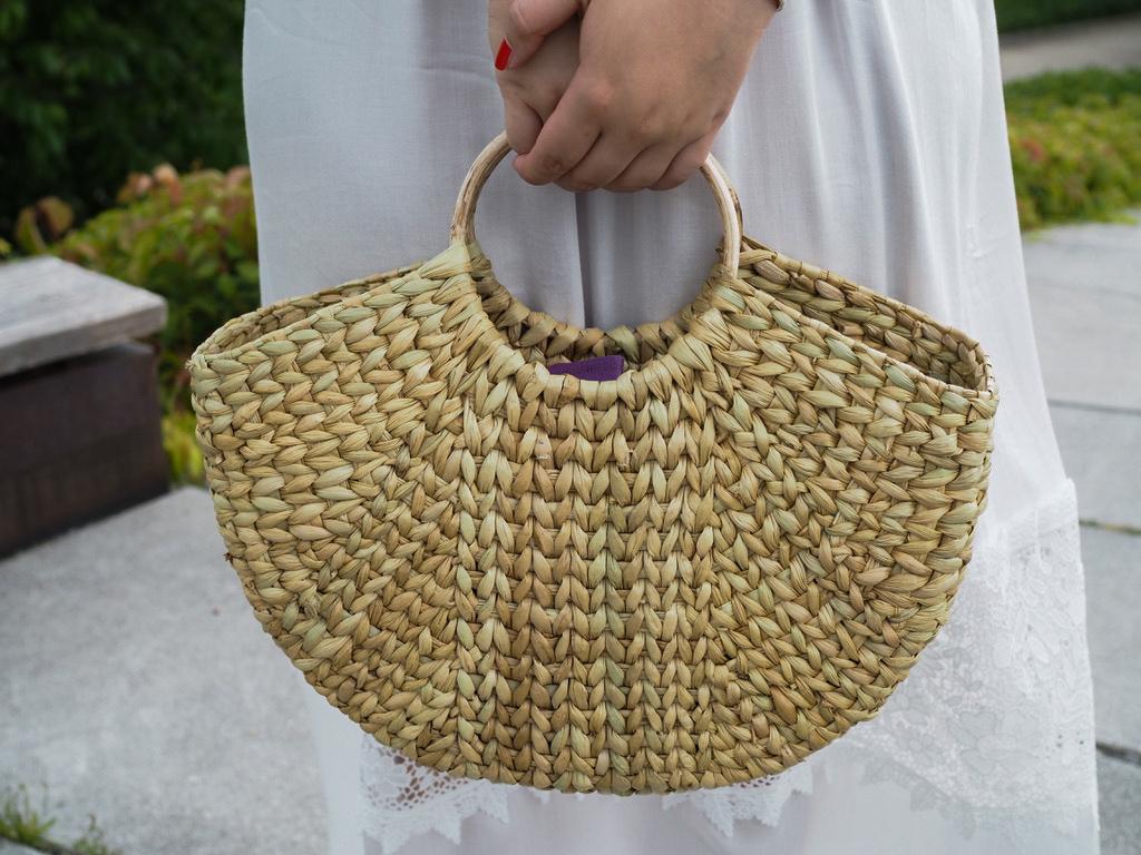 Sommerkleid - summer dress - Hallhuber - straw bag - Strohtasche - Outfit - Look - Ootd - Natur